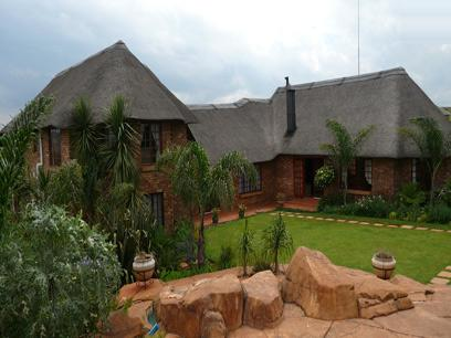 5 Bedroom House For Sale in Mooikloof - Home Sell - MR25177