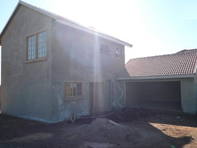 3 Bedroom House For Sale in Monavoni - Private Sale - MR25221