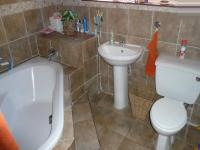 Main Bathroom - 8 square meters of property in Capital Park