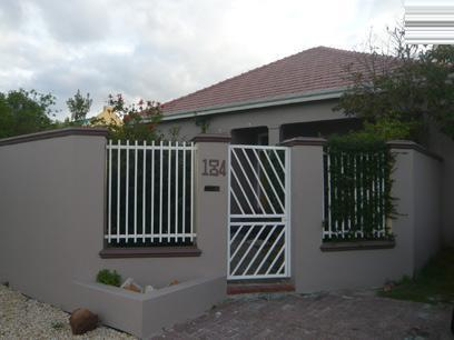 3 Bedroom House For Sale in Rondebosch East - Private Sale - MR25240