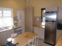 Kitchen - 16 square meters of property in Rondebosch East