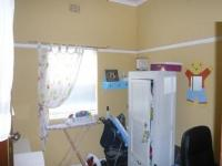 Bed Room 1 - 12 square meters of property in Rondebosch East