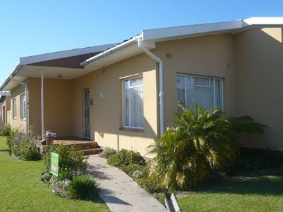 3 Bedroom House For Sale in Parow Central - Private Sale - MR25254