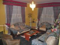 Lounges - 32 square meters of property in Lenasia South