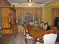 Dining Room - 10 square meters of property in Lenasia South
