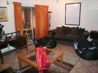 Lounges - 20 square meters of property in Mooikloof Ridge