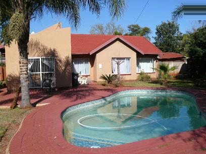 2 Bedroom House for Sale For Sale in Doornpoort - Home Sell - MR25376