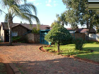 2 Bedroom House for Sale For Sale in The Orchards - Home Sell - MR25379