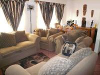 Lounges - 10 square meters of property in The Orchards