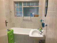 Bathroom 2 - 4 square meters of property in Bordeaux