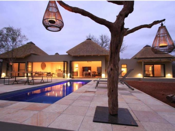 4 Bedroom House for Sale For Sale in Hoedspruit - MR254614