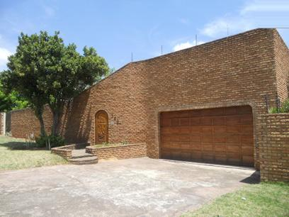 Standard Bank Repossessed 4 Bedroom House for Sale For Sale in Kempton Park - MR25462