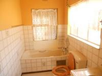 Main Bathroom - 5 square meters of property in Vaal Oewer