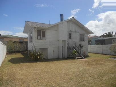 Standard Bank Repossessed 3 Bedroom House for Sale on online auction in Gansbaai - MR25481