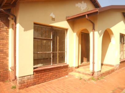 Standard Bank Repossessed 3 Bedroom House for Sale For Sale in Roodepoort - MR25495