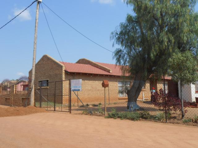 Standard Bank Repossessed 3 Bedroom House For Sale in Soshanguve - MR25522