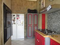 Kitchen - 14 square meters of property in Roodekrans
