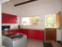 Scullery - 19 square meters of property in Roodekrans