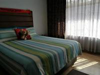 Bed Room 1 - 16 square meters of property in Eden Glen
