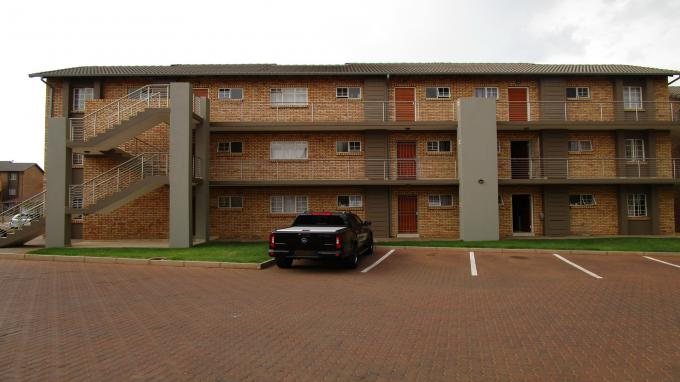 2 Bedroom Apartment for Sale For Sale in Centurion Central (Verwoerdburg Stad) - Home Sell - MR260737