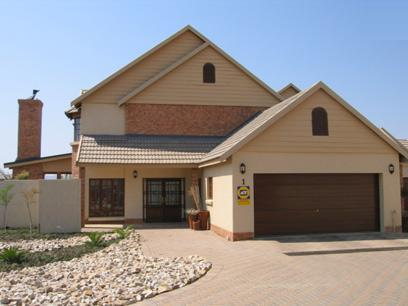 3 Bedroom House for Sale For Sale in Wapadrand - Home Sell - MR26157