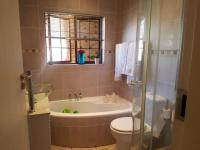 Bathroom 1 - 10 square meters of property in Comet