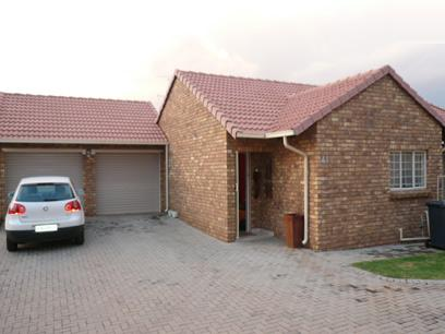 3 Bedroom Simplex for Sale For Sale in Pierre van Ryneveld - Home Sell - MR26235