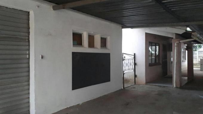3 Bedroom House for Sale For Sale in Chatsworth - KZN - Home Sell - MR263555