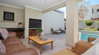 Patio - 36 square meters of property in Somerset West