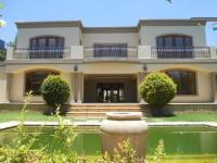 4 Bedroom 4 Bathroom in Maroeladal
