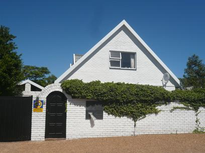 Standard Bank Repossessed House For Sale in Hout Bay   - MR26454