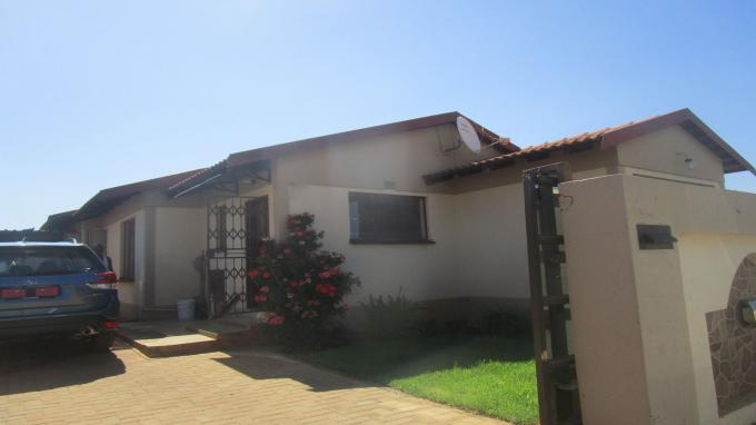 Standard Bank EasySell 3 Bedroom House for Sale in Leachville - MR266434