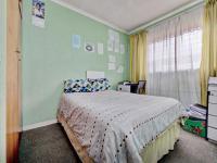 Bed Room 2 - 10 square meters of property in Georginia