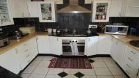 Kitchen - 22 square meters of property in Clubview