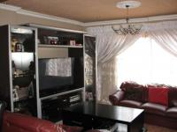 Lounges - 13 square meters of property in Protea Glen