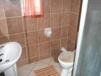 Main Bathroom - 5 square meters of property in Mooikloof