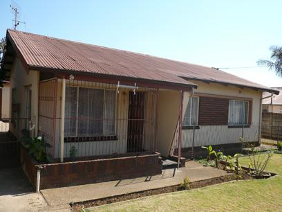 3 Bedroom House For Sale in Daspoort - Home Sell - MR27256