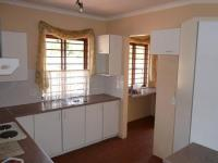 Kitchen - 26 square meters of property in Faerie Glen