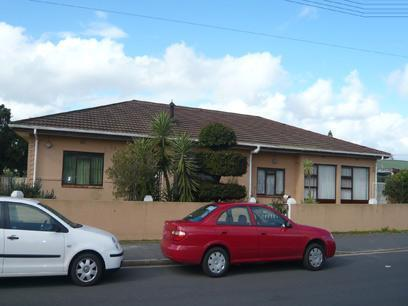 4 Bedroom House for Sale For Sale in Kraaifontein - Home Sell - MR27278