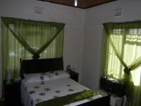 Bed Room 1 - 17 square meters of property in Kraaifontein