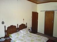 Main Bedroom - 21 square meters of property in Kraaifontein