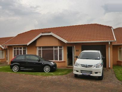 2 Bedroom Simplex For Sale in Groblerpark - Home Sell - MR27326