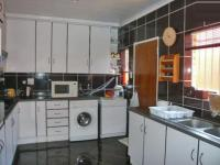 Kitchen - 7 square meters of property in Randfontein