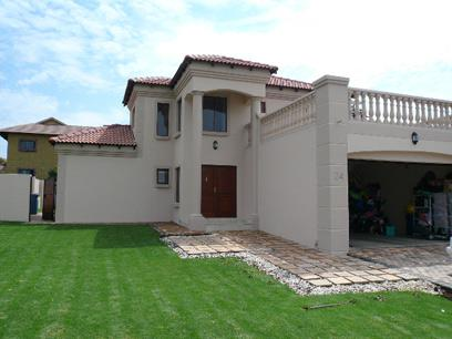 4 Bedroom House for Sale and to Rent For Sale in Silver Lakes Golf Estate - Private Sale - MR27332