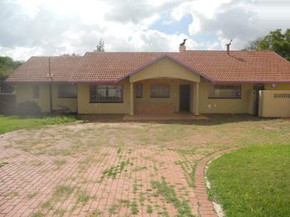 Standard Bank Repossessed 3 Bedroom House for Sale For Sale in Parkhill Gardens - MR27463