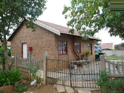 2 Bedroom House for Sale and to Rent For Sale in Elandspoort - Home Sell - MR27495