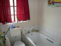 Bathroom 1 - 5 square meters of property in Elandspoort