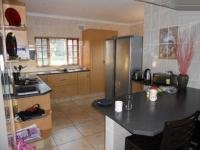 Kitchen - 16 square meters of property in Scottburgh