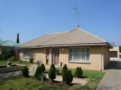 Standard Bank EasySell 4 Bedroom House for Sale For Sale in Three Rivers - MR27503