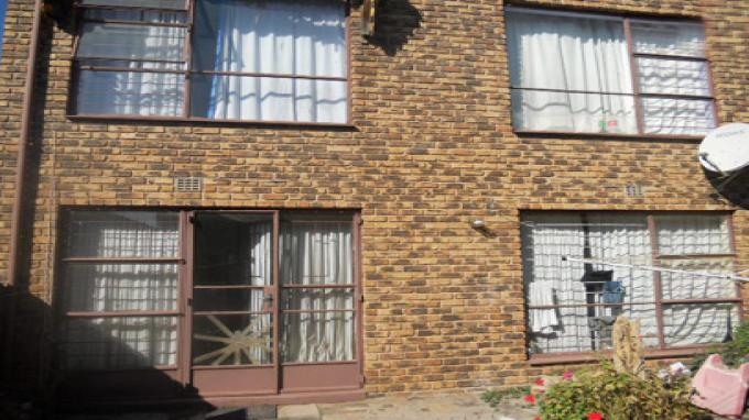 Standard Bank Insolvent 3 Bedroom Simplex for Sale on online auction in Windsor - MR27504
